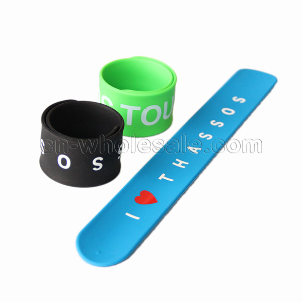Free sample custom logo silicone snap slap bracelet